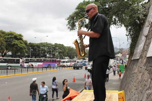 Saxofonista, petare Camina