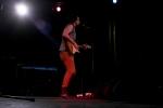 El intérprete hizo gala de su voz y su habilidad con la guitarra