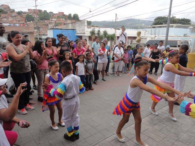 6 Bailes y celebración en honor al Santo